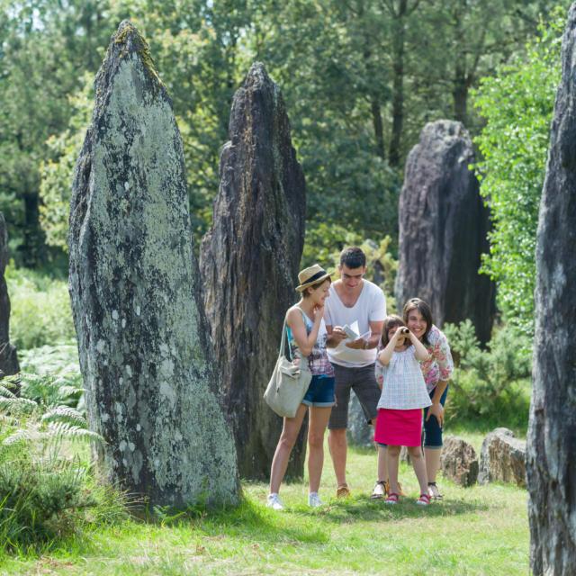1-montneuf-site-archologique-des-pierres-droites-emmanuel-berthier.jpg