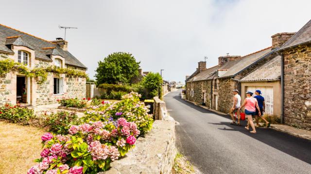 4-erquy-village-caroual-loeil-de-paco.jpg