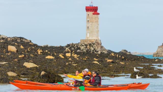 accostez-en-kayak-au-phare-de-la-croix-3.jpg
