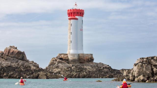 accostez-en-kayak-au-phare-de-la-croix-6.jpg