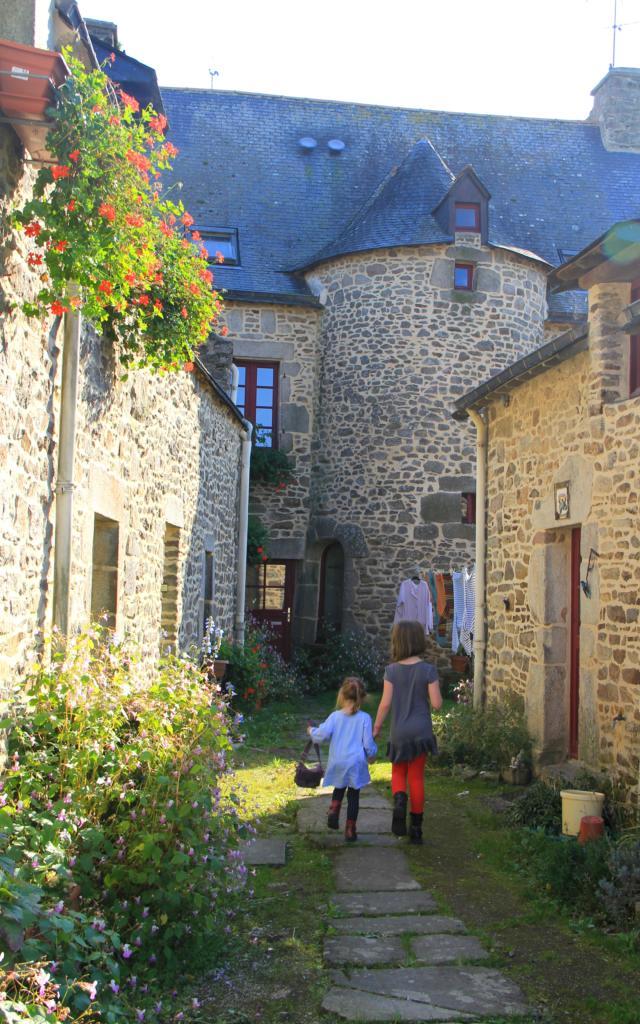 noyal-muzillac-rue-bourg2-damgan-la-roche-bernard.jpg