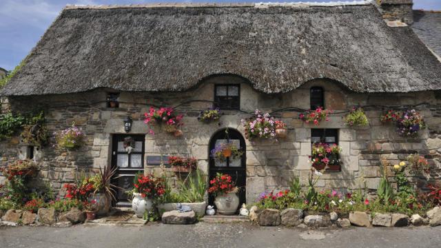 Landes de Lanvaux, maison traditonnelle au toit de chaume