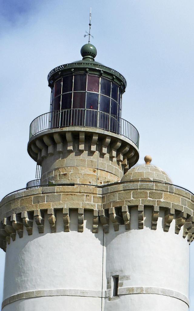 phare-du-stiff-dtail-ouessant-rgion-bretagne-service-de-linventaire-du-patrimoine-culturel-michel-marine.jpg