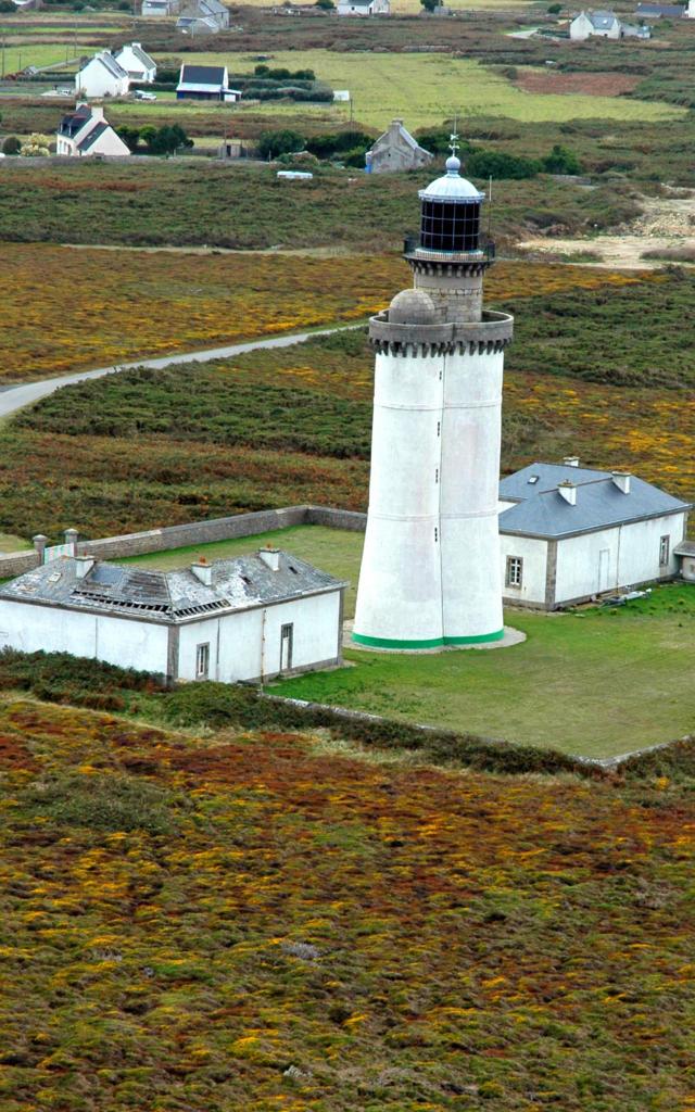 phare-du-stiff-ouessant-guillaume-lecuillier-region-bretagne-2006.jpg