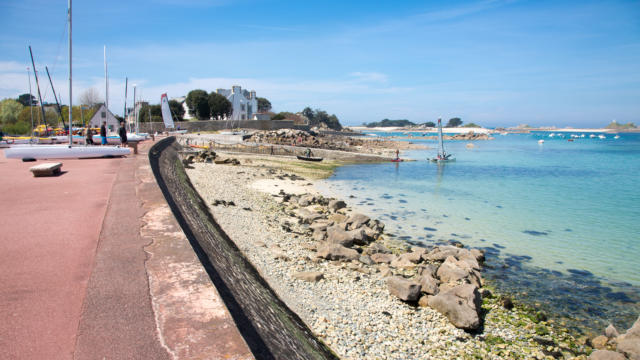Plougrescant, Port Blanc