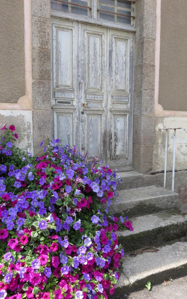 saint-juvat-porte-1.jpg